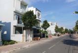 hính chủ cần bán lại lô đất 130m2, khu vực xây trọ cho thuê và buôn bán nằm đối diện khu công nghiệp Lê MInh Xuân, huyện Bình Chánh, tp hcm