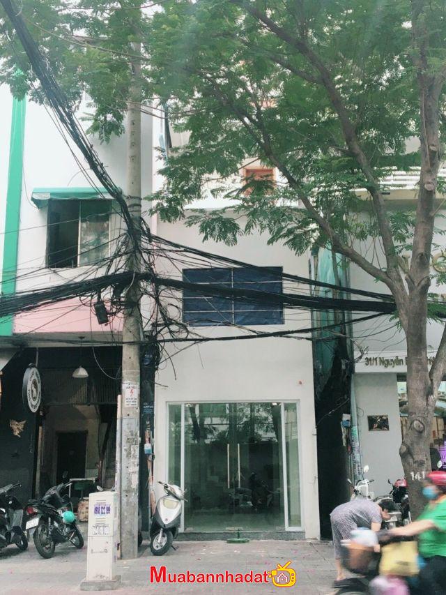 Tôi cần cho thuê gấp nhà nguyên căn Mặt  Tiền số 31A Nguyễn Bỉnh Khiêm, ĐaKao, Quận 1,  Gía: 35 Triệu/tháng , LH: 0902316906